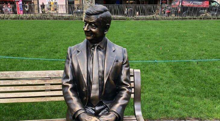 Statue ikonskih filmskih karaktera na Leicester Trgu