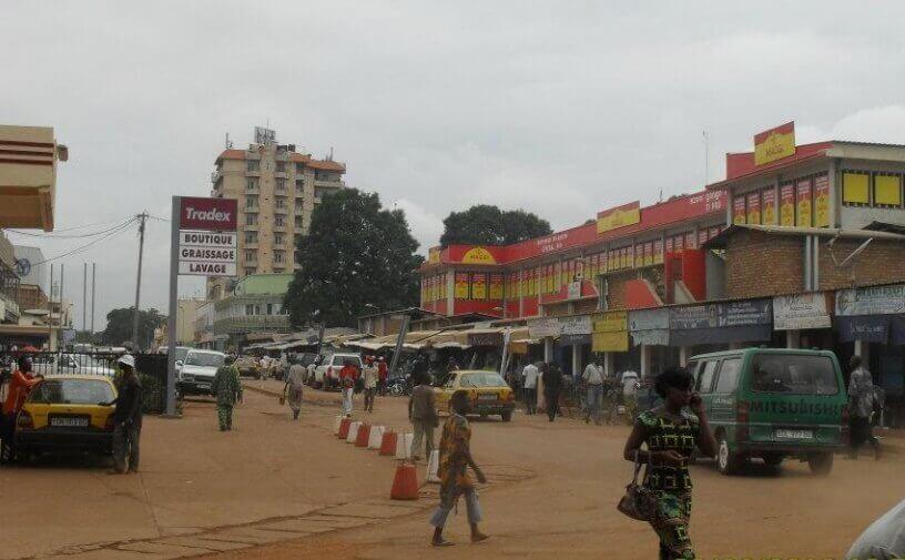 Ulica u centru grada i glavna pijaca