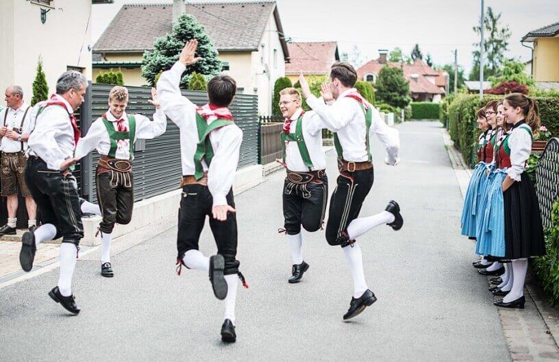 Vesela nemačka tradicionalna igra
